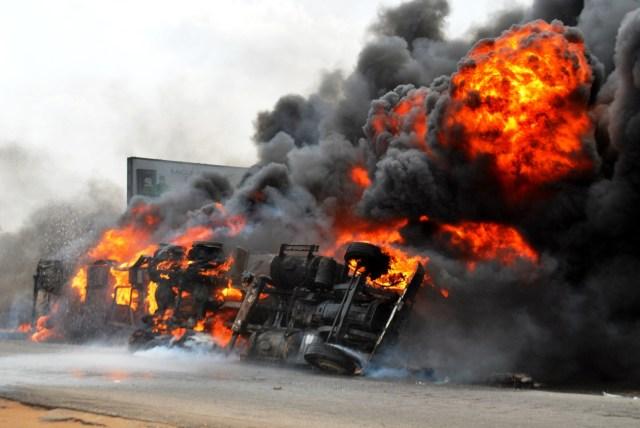 PIC-2-TANKER-FIRE-KILLS-TWO-IN-IBADAN