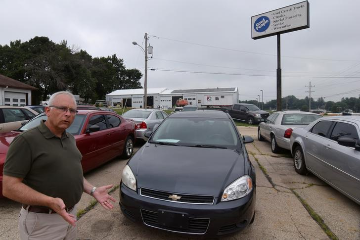 Owner of Good People Automotive Gordy Tormohlen talks about the cars he sells in Freeport