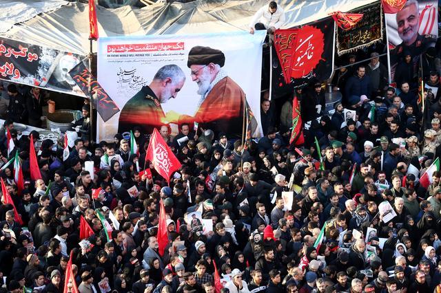 Huge crowd in Tehran for Soleimani funeral