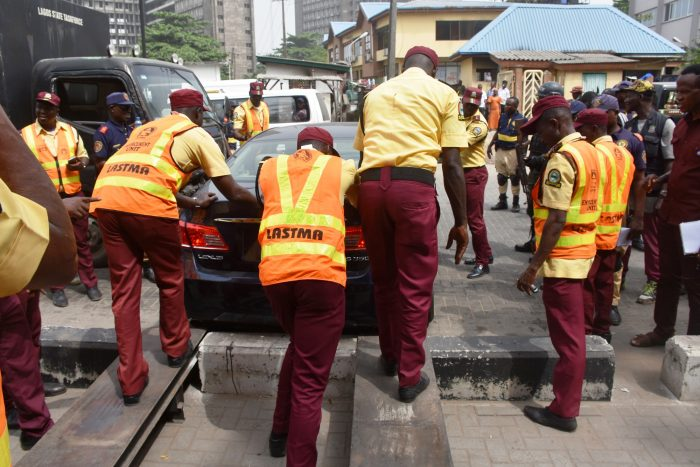 Pic.26.-Clean-Up-of-Ikoyi-and-Victoria-Island-in-Lagos