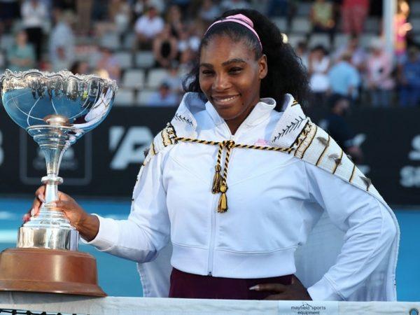 Serena Williams wins in Auckland