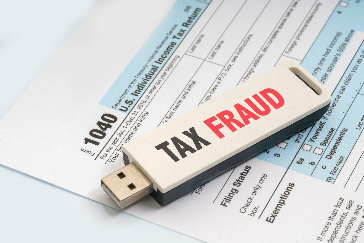 Tax fraud image