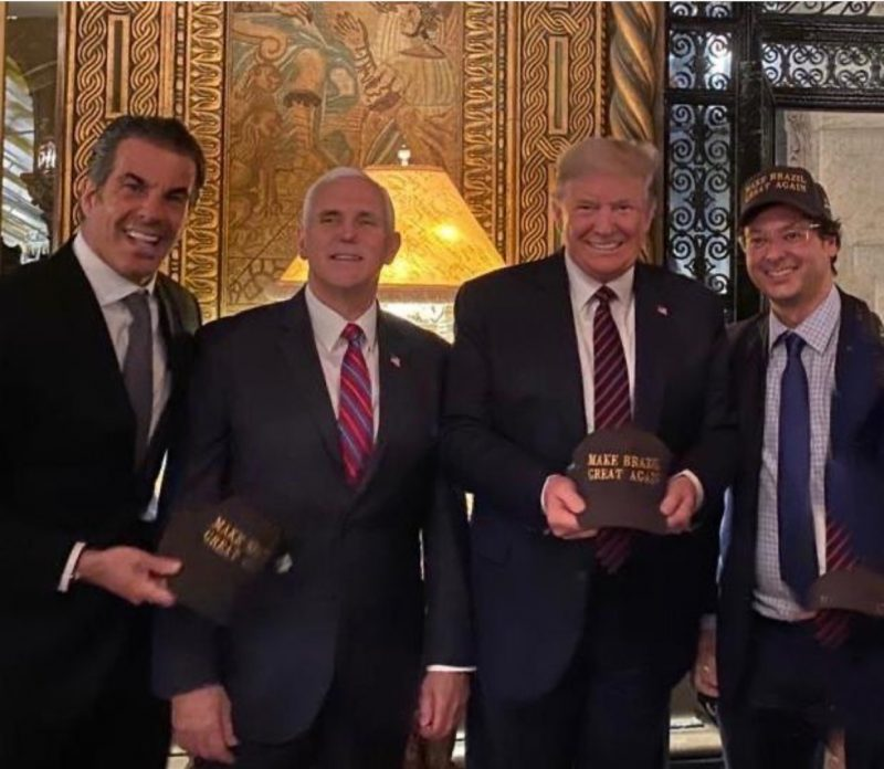 Fabio Wajngarten, right with Trump, 3rd right on Saturday in Florida