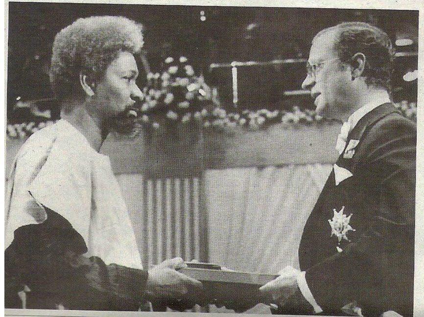Wole Soyinka receiving the Nobel Prize in 1986