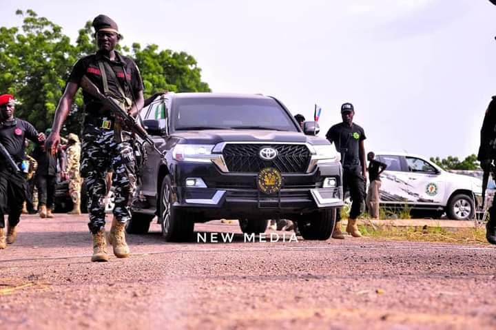 Governor Zulum's official vehicle protected by security men