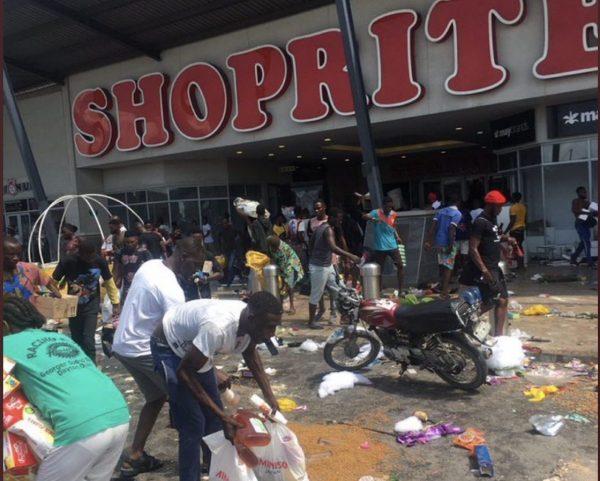 Looters at Circle Mall