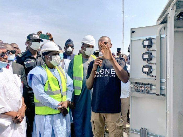 Sale Mamman and Governor Fintiri at the commissioning of solar power in Adamawa