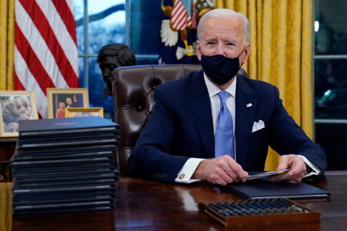 Biden goes to work at Oval office