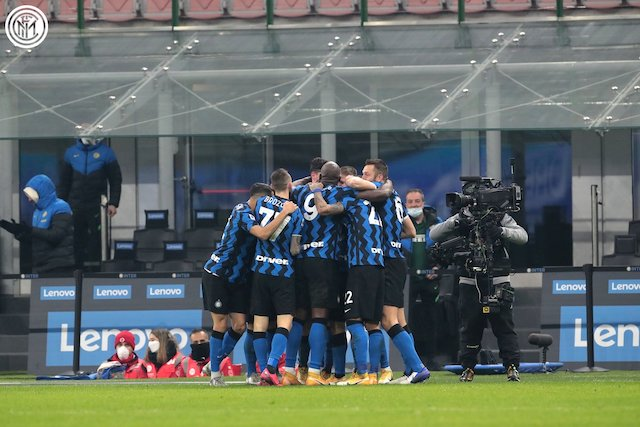 Inter Milan players excited after beating Juventus on Sunday