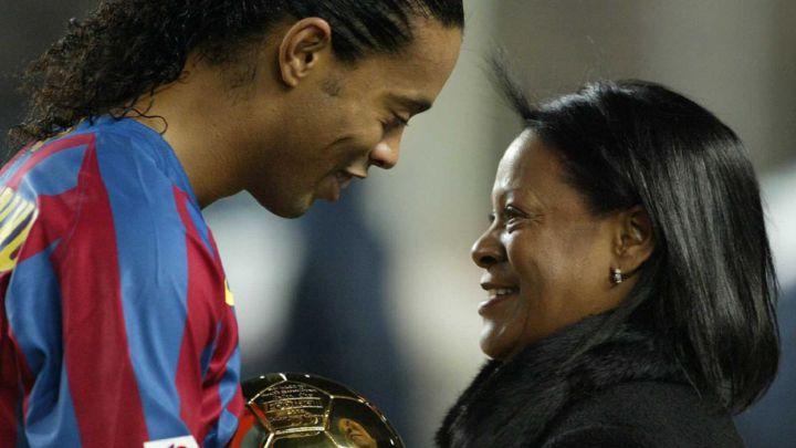 Ronaldinho and mum
