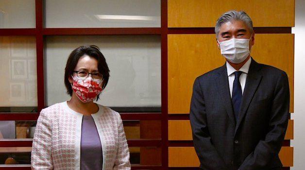 Taiwan's de facto US ambassador Hsiao Bi-khim, left and Sung Kim