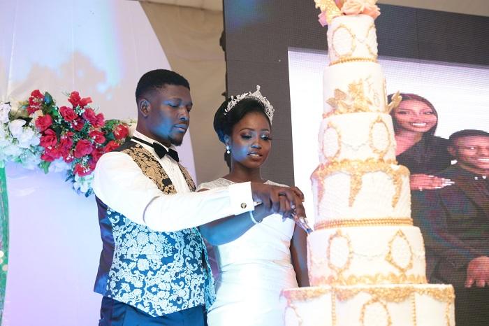 Oba Malaolu and his wife set for cake cutting