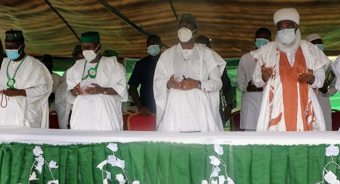 L-R: Chairman of the Occasion/Lagos State Chairman, All Progressives Congress (APC), Alhaji Ibrahim Babatunde Balogun,  National President, Ansar-Ud-Deen Society of Nigeria, Alhaji Abdul-Rafiu Ade Sanni, Deputy Governor of Lagos State, Dr. Kadri Obafemi Hamzat and National Missioner,  Ansar-Ud-Deen Society of Nigeria and Overseas, Sheikh Abdur-Rahman Olanrewaju Ahmad during the 2021 Annual Ramadan Lecture of the  Ansar-Ud-Deen Society of Nigeria, Lagos State Council held at the Tafawa Balewa Square, Lagos on Sunday.