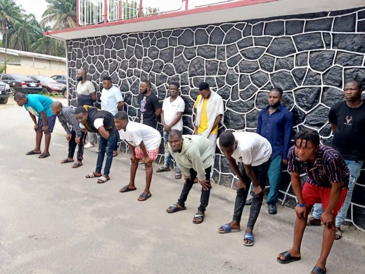 14 suspected internet fraudsters busted in Lagos