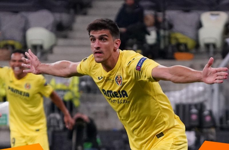 Gerard Moreno of Villarreal  strikes first against  Manchester United