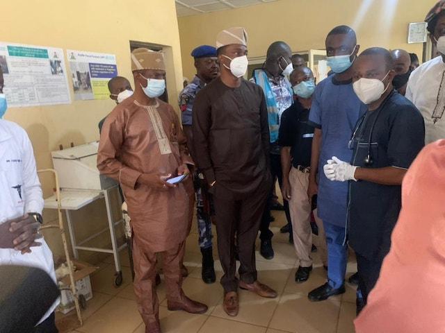 Ekiti govt. officials at Ijero General Hospital on Wednesday