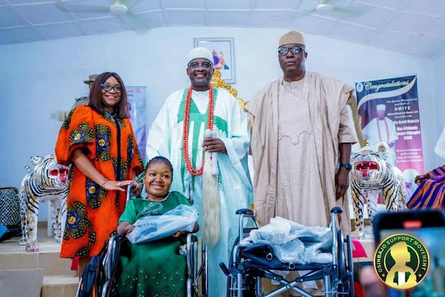 Ojudu, right, Oba Adeagbo, Ebi Awosika and Abosede Okeowo