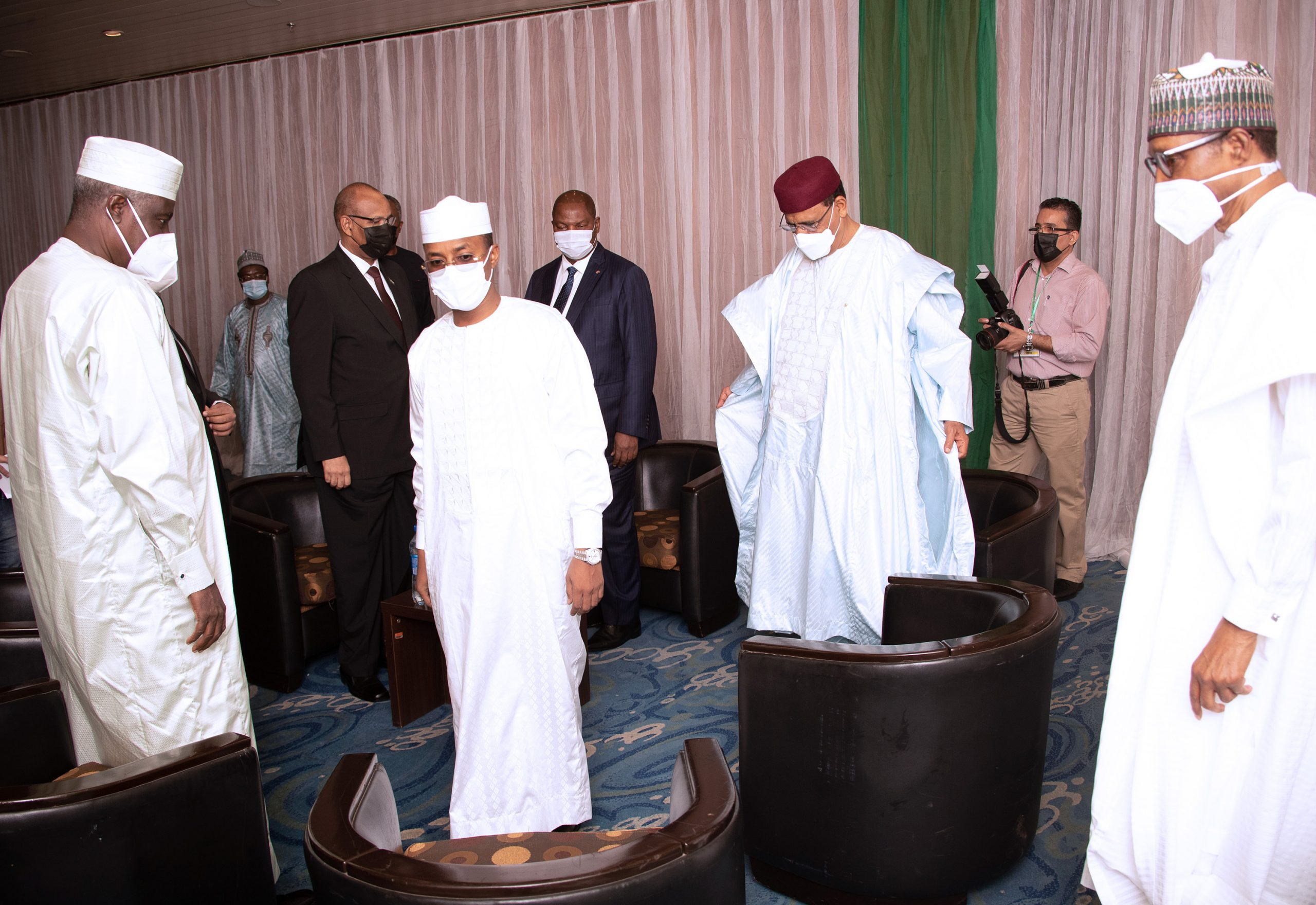 President Muhammadu Buhari receives the President of Chad Transitional Council, General Mahamat Idris Deby. With them are the President of Niger Mohamed Bazoum, President of the Central African Republic, H.E Prof Faustine Archange Touadera and others during the Extraordinary Summit of the Lake Chad Basin Commission held at the Transcorp Hilton Abuja. PHOTO; SUNDAY AGHAEZE. MAY 25TH 2021