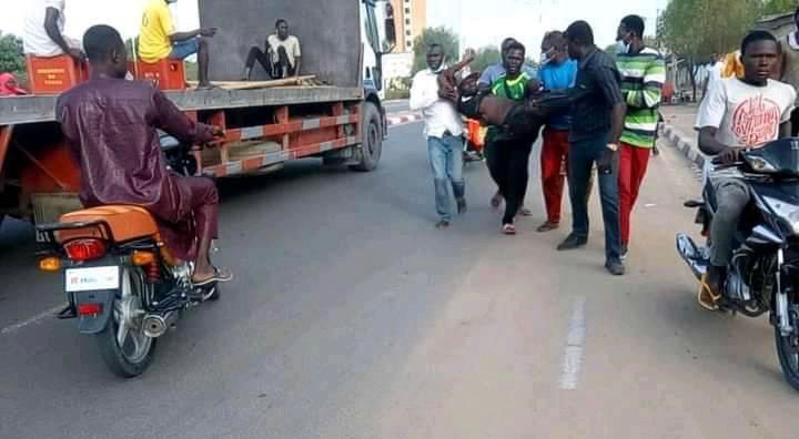 The wounded demonstrator in Chadian capital N'djamena. Photo Alwihda