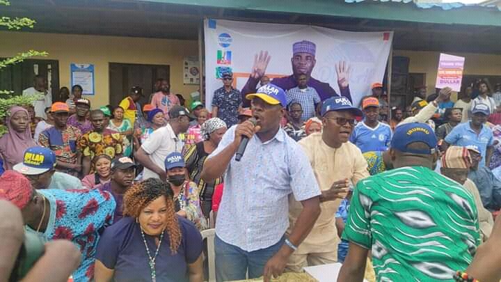 APC leaders in Somolu rally for Salawu