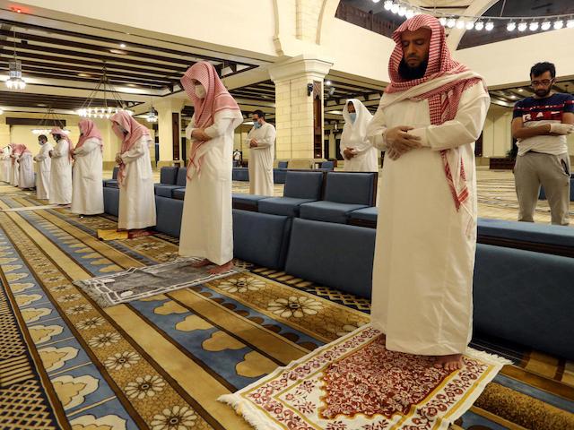 Imam of Saudi mosque tests positive