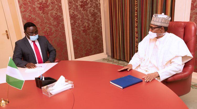 PRESIDENT BUHARI RCEIVES GOV BEN AYADE 6