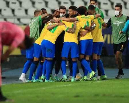 Brazil celebrate Paqueta's goal against Peru at Copa America