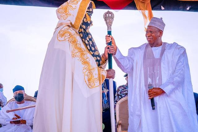 Ganduje presents staff of office to Kano Emir Ado-Bayero