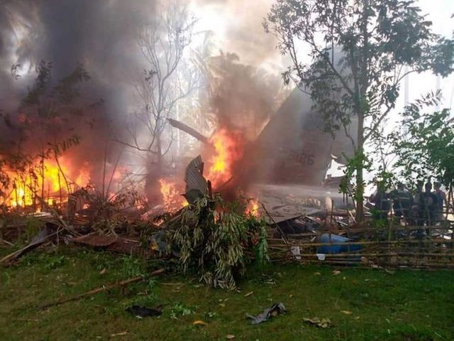 The burning Philippines military-plane as posted on Twitter