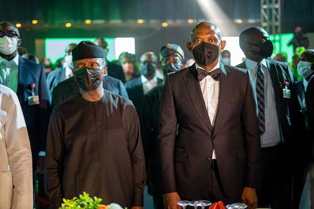 VP Yemi Osinbajo and Chairman Transcorps Hotels Plc at the launch of Aura app