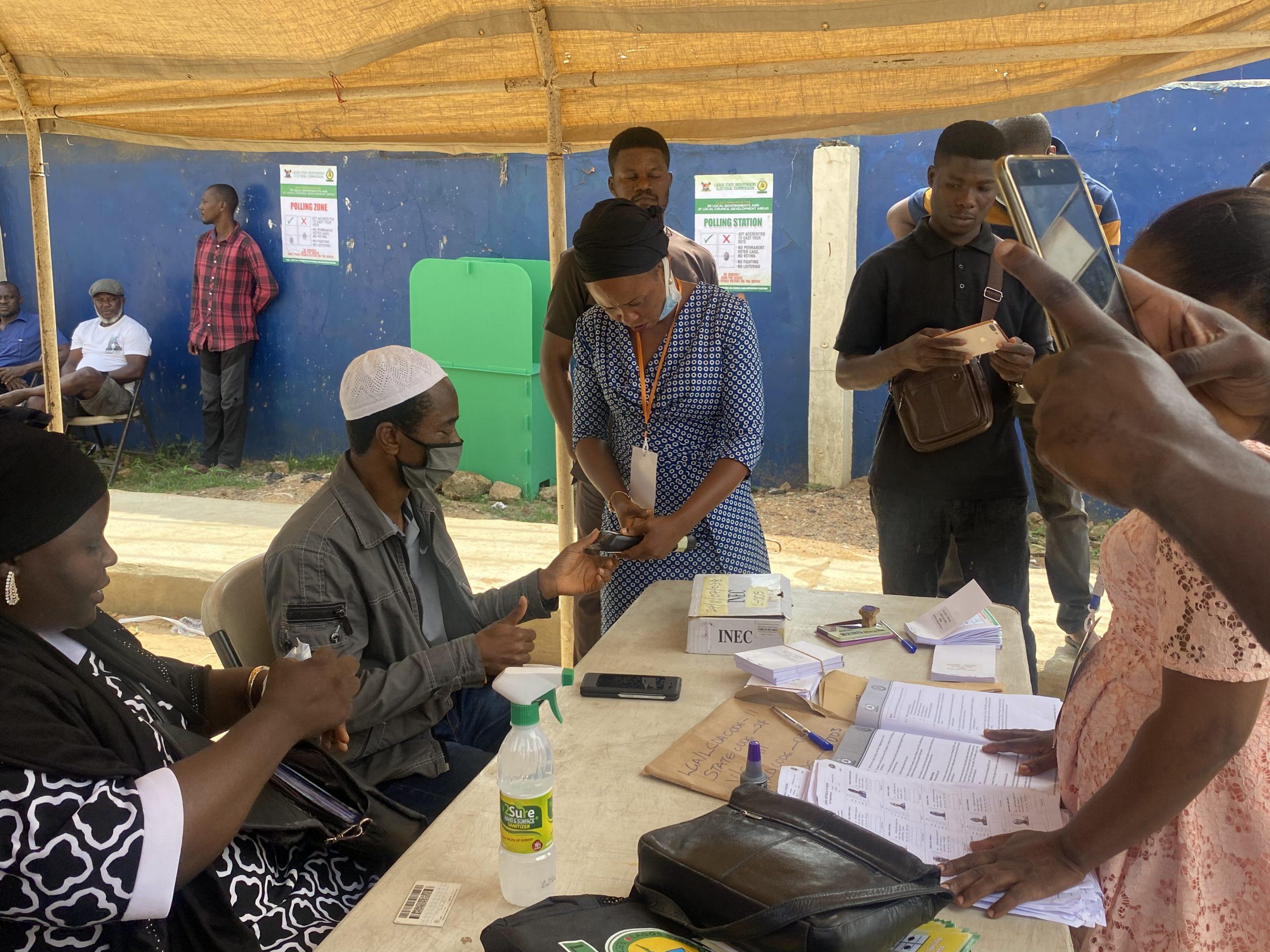 Card reader fails in Polling unit 038 Along Ifesowapo, Ojodu LCDA