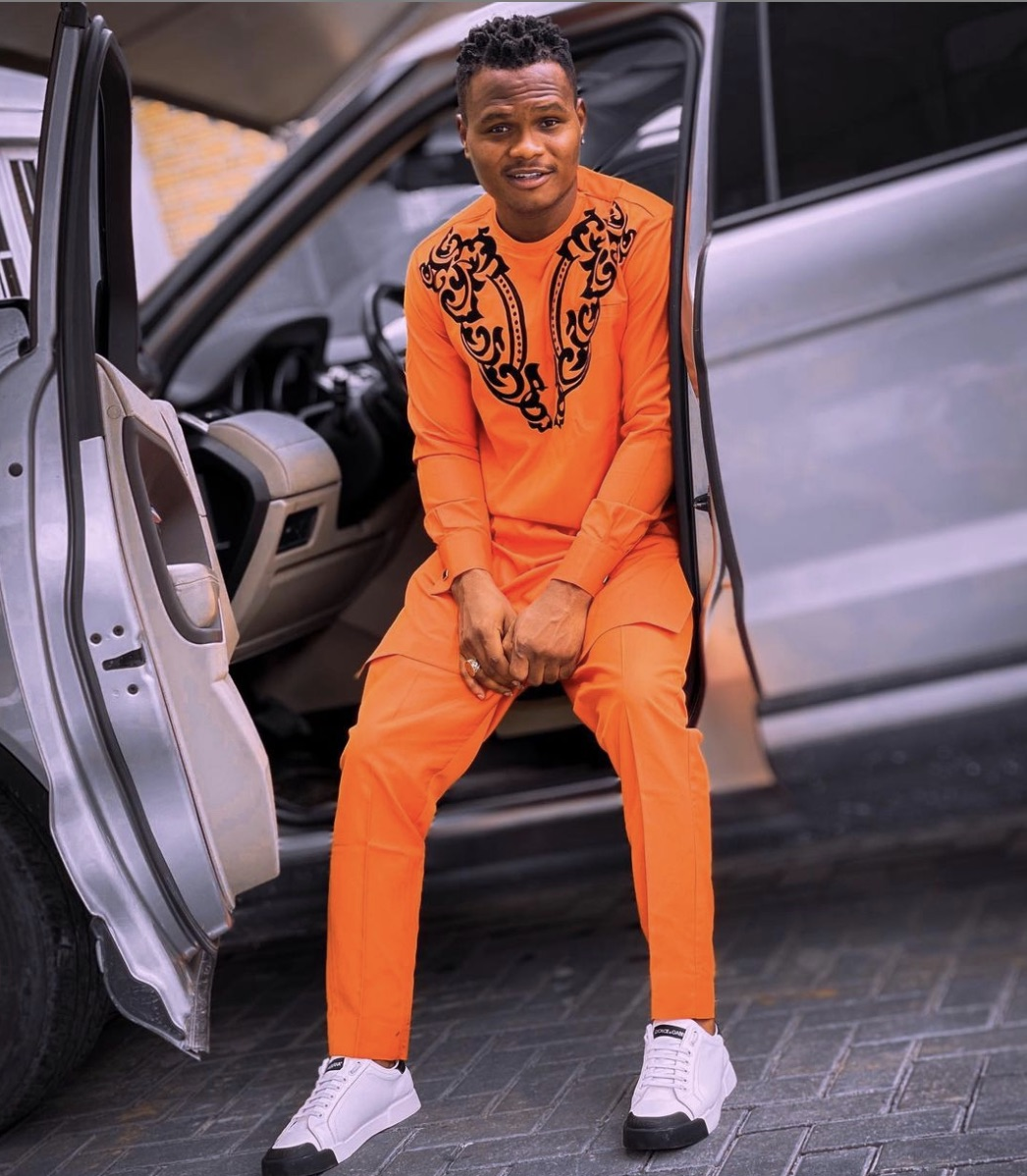 Oluwadorlaz poses in the car before it crashed