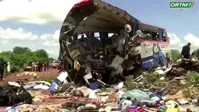 Truck collides with bus in Mali, killing dozens