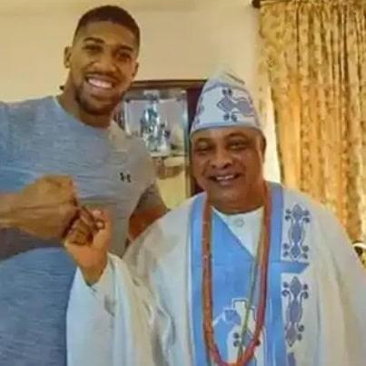 Oba Ajayi goes spiritual as Anthony Joshua battles Usyk