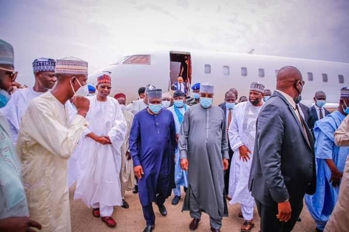 Atiku arrives Yola in his PJ to receive the defectors