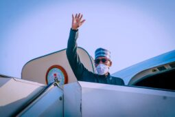 Buhari says goodbye as he leaves for New York