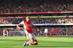 Captain Aubameyang scores the secondd goal