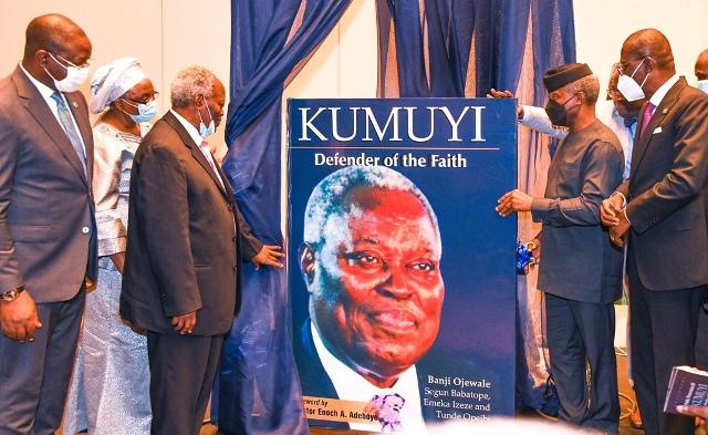 L-R: Sunday Dare, Esther Kumuyi, Pastor William Kumuyi, Prof. Yemi Osinbajo and Governor Babajide Sanwo-Olu at the launch of the book