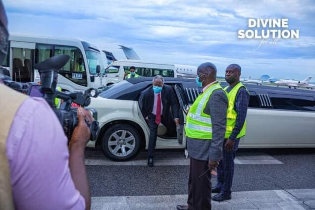 Pa Kumuyi steps out of the stretch limousine