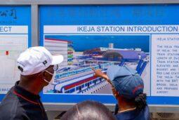 Sanwo-Olu being shown the prototype of Ikeja rail station on Redd Line