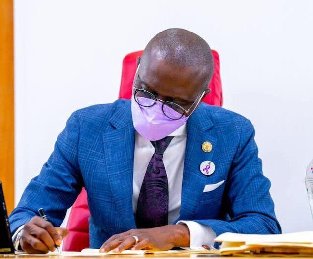 Sanwo-Olu signing the anti-open grazing law on Monday