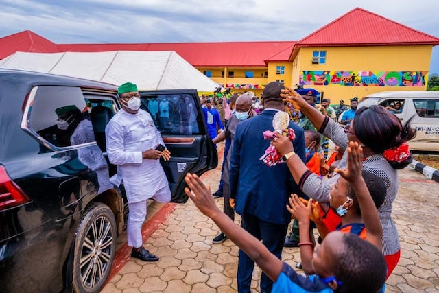 Fayemi being welcomed to the college