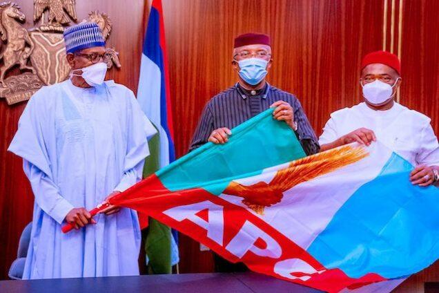 Nkem Okeke, middle with President Buhari and Governor Hope Uzodimma