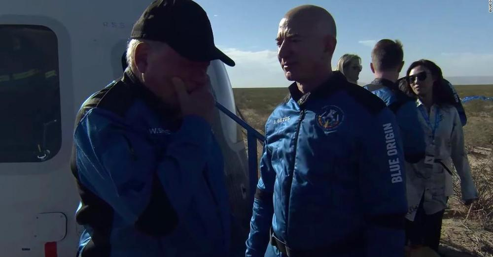 Shatner with Jeff Bezos on arrival back to earth
