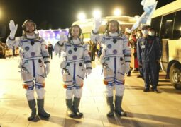 The Chinese astronauts on way to space station