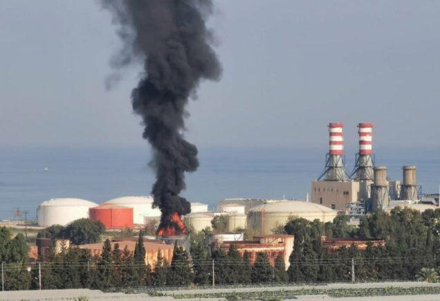 Zahrani power station oil storage tank on fire