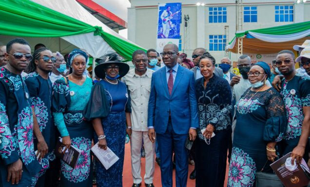 (Front): Edo State Governor, Mr. Godwin Obaseki (4th right); his wife, Mrs. Betsy (3rd right); Edo State Deputy Governor, Rt. Hon. Comrade Philip Shaibu (middle); widow of Sir Victor Uwaifo; Mrs. Osaretin Uwaifo; (4th left), with other members of Uwaifo's family, at the lying-in state for late Uwaifo, in Benin City, on Friday, October 15, 2021.